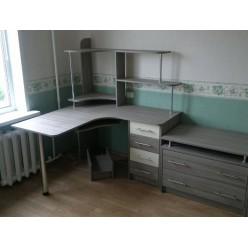 Компьютерный стол №17