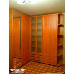 Распашной шкаф 01